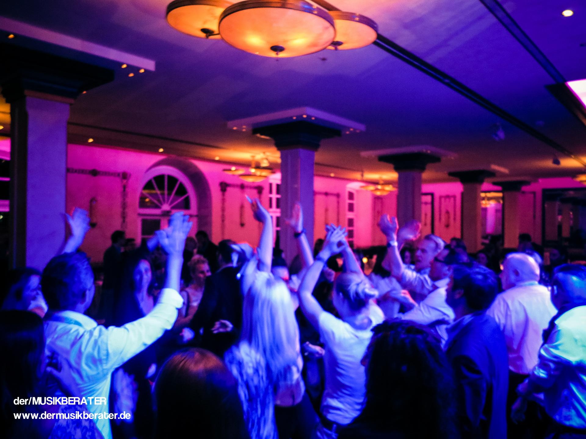 16 Wolkenburg DJ Event Messe Aftershow Party www.dermusikberater.de 04-2015